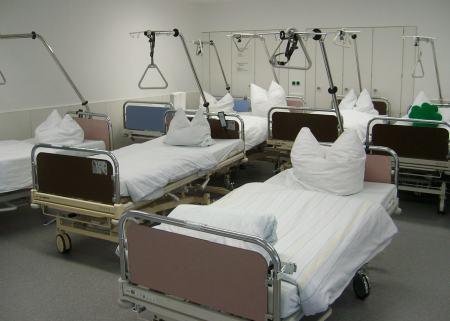 Krankenbetten Pflegebetten